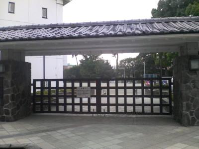 小田原城近くの学校.JPG